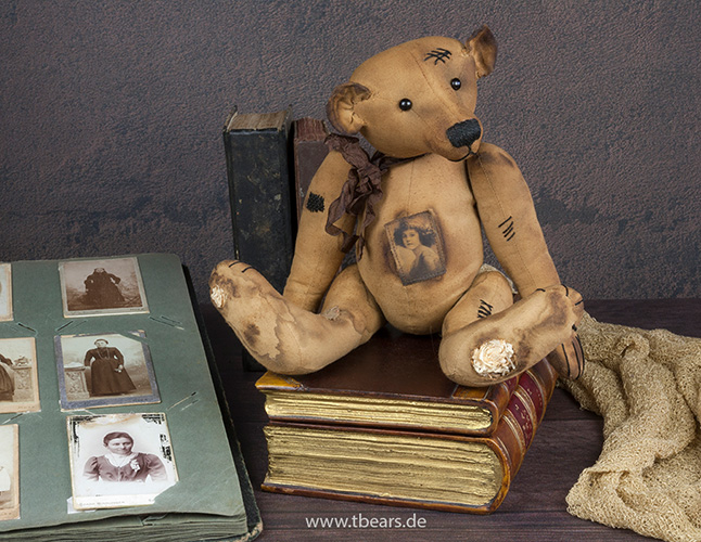 antique style teddy