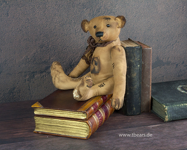 artist bear in antique style