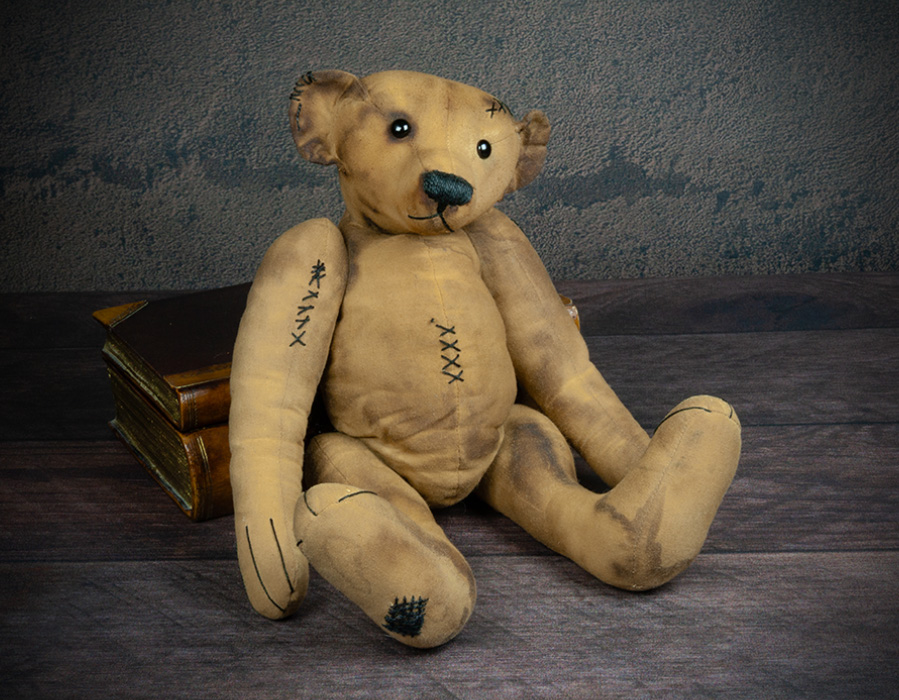 antique style teddy bear by Karin Jehle